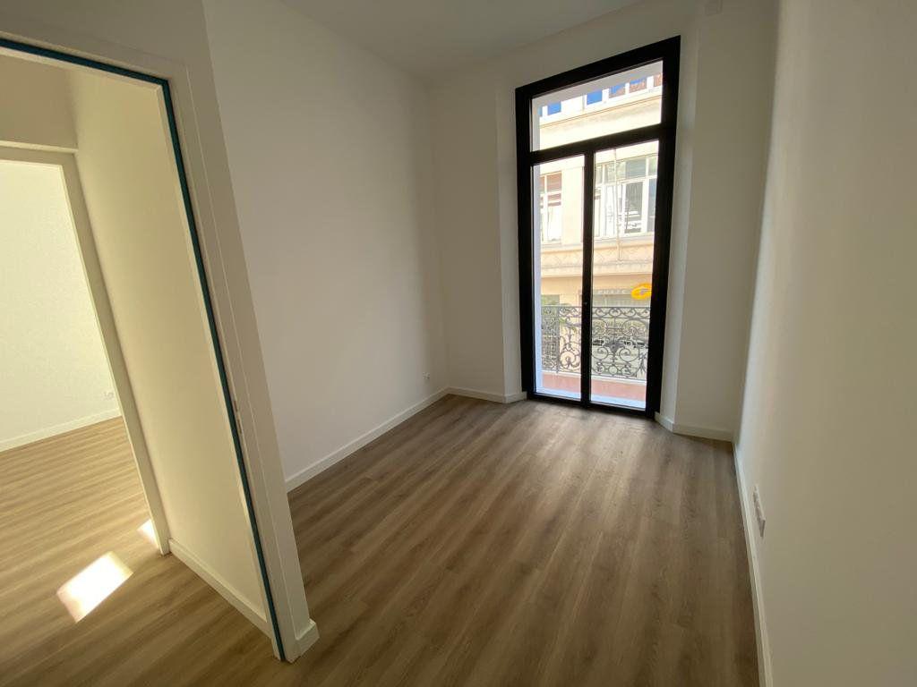 Appartement à vendre 3 56.3m2 à Cannes vignette-4
