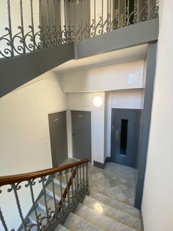 Appartement à vendre 3 56.3m2 à Cannes vignette-7