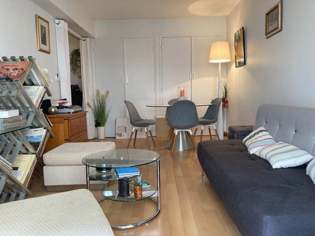 Appartement à vendre 2 51.56m2 à Cannes vignette-2