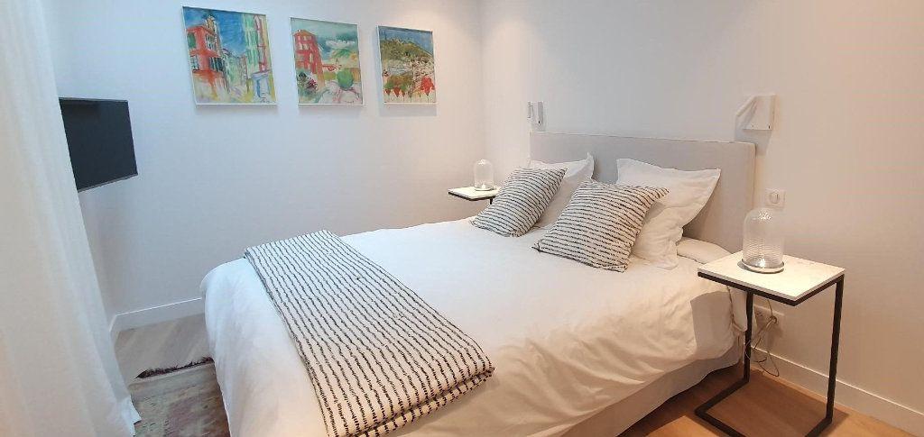 Appartement à vendre 4 109m2 à Cannes vignette-6