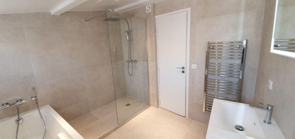 Appartement à vendre 4 109m2 à Cannes vignette-10