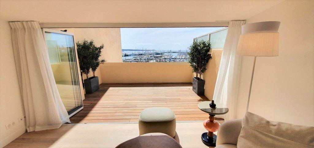 Appartement à vendre 4 109m2 à Cannes vignette-11