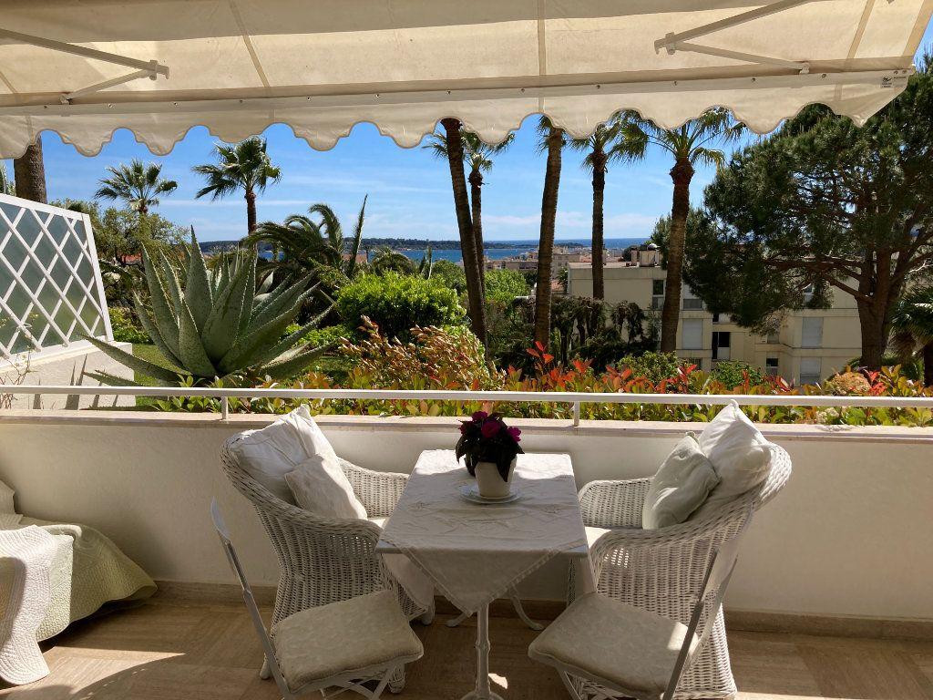 Appartement à vendre 3 83.06m2 à Cannes vignette-2