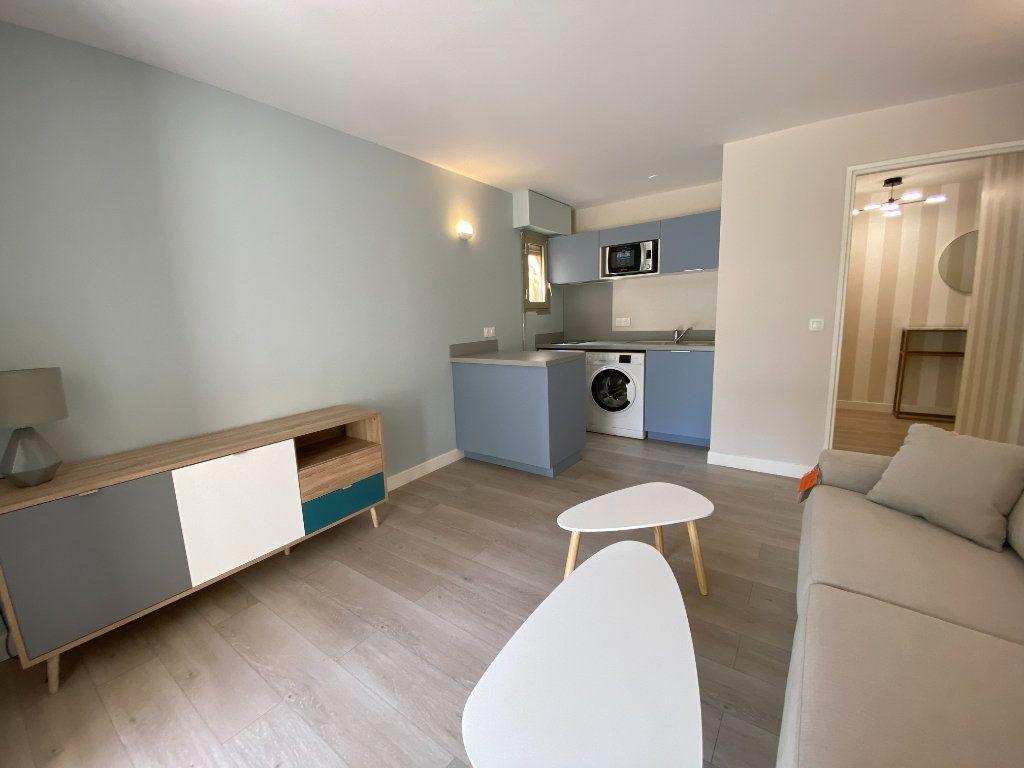 Appartement à vendre 1 24.9m2 à Cannes vignette-3
