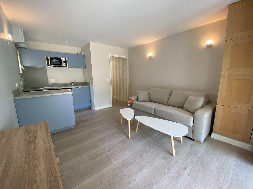 Appartement à vendre 1 24.9m2 à Cannes vignette-6