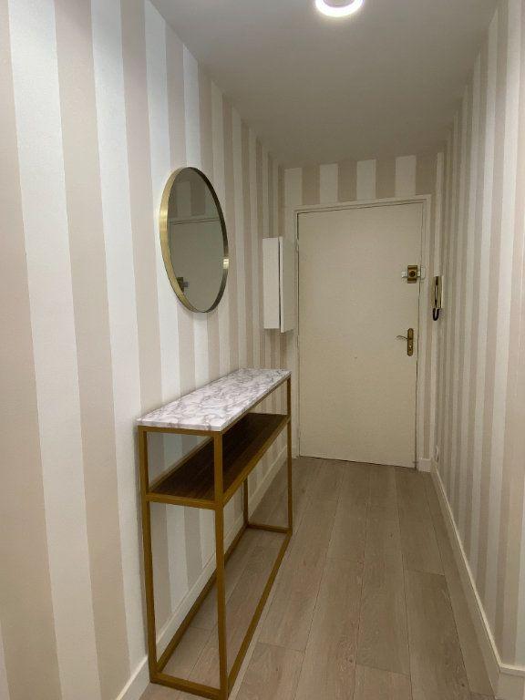Appartement à vendre 1 24.9m2 à Cannes vignette-8