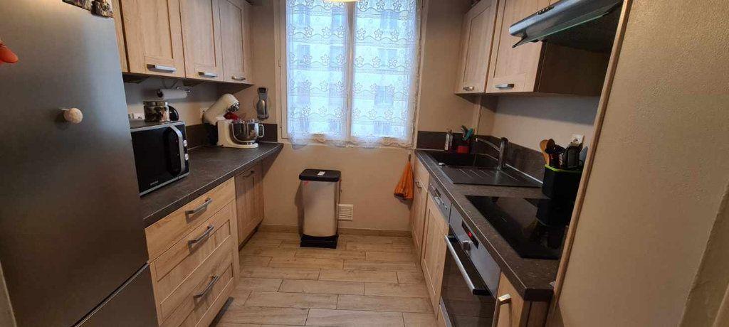 Appartement à vendre 3 55m2 à Les Pavillons-sous-Bois vignette-2