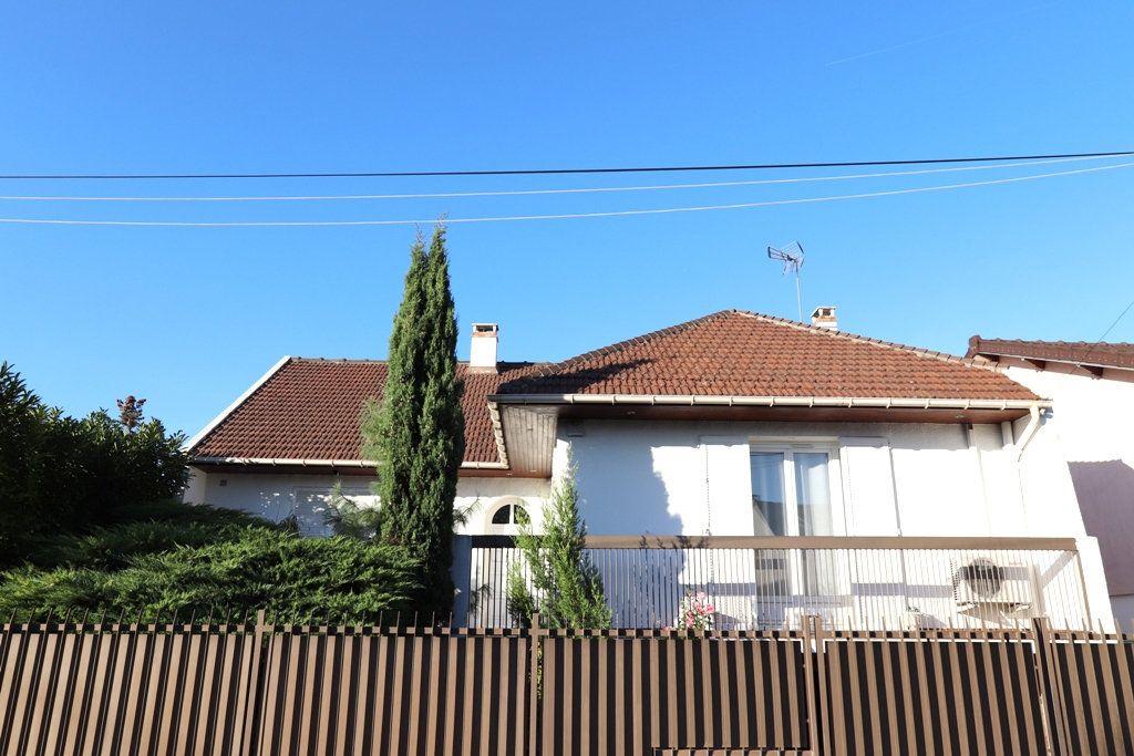 Maison à vendre 7 200m2 à Livry-Gargan vignette-1