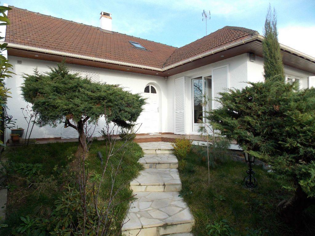 Maison à vendre 7 200m2 à Livry-Gargan vignette-2