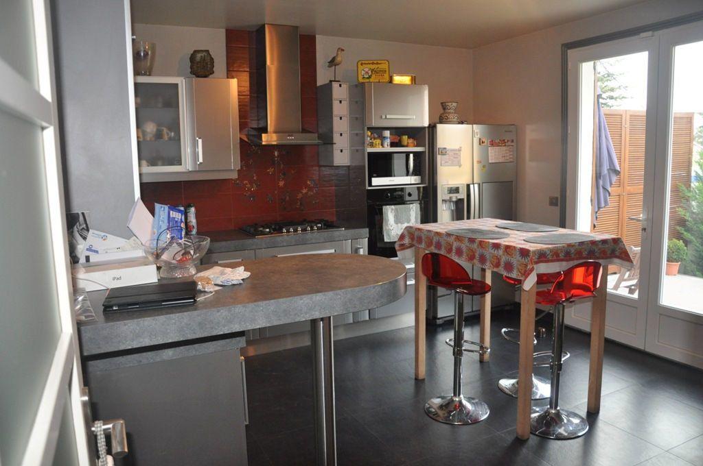 Maison à vendre 7 200m2 à Livry-Gargan vignette-5