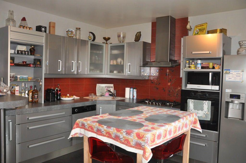 Maison à vendre 7 200m2 à Livry-Gargan vignette-6