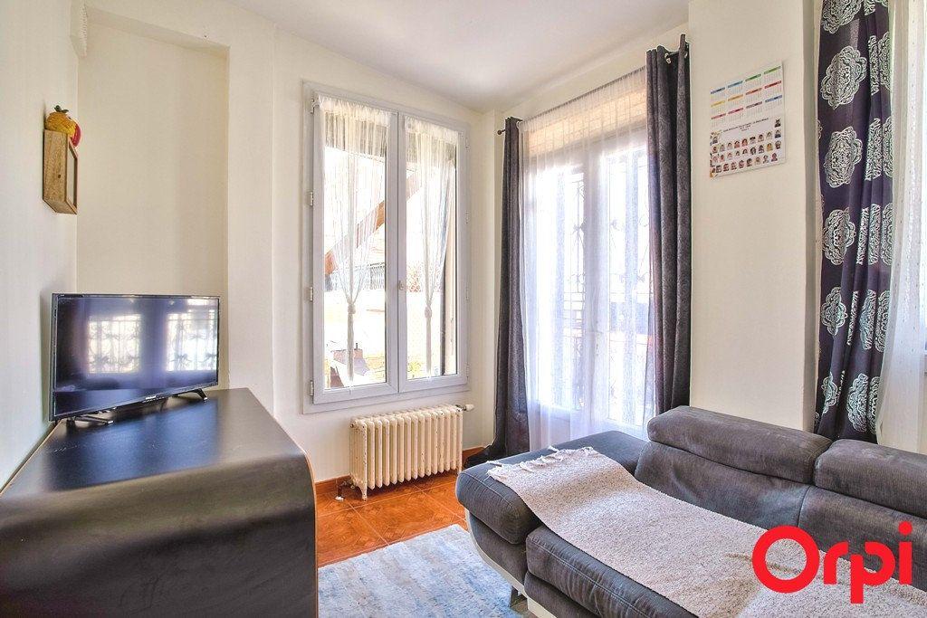 Maison à vendre 9 207m2 à Le Blanc-Mesnil vignette-3