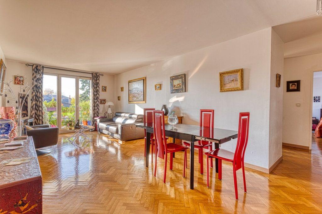 Appartement à vendre 4 82.6m2 à Livry-Gargan vignette-2