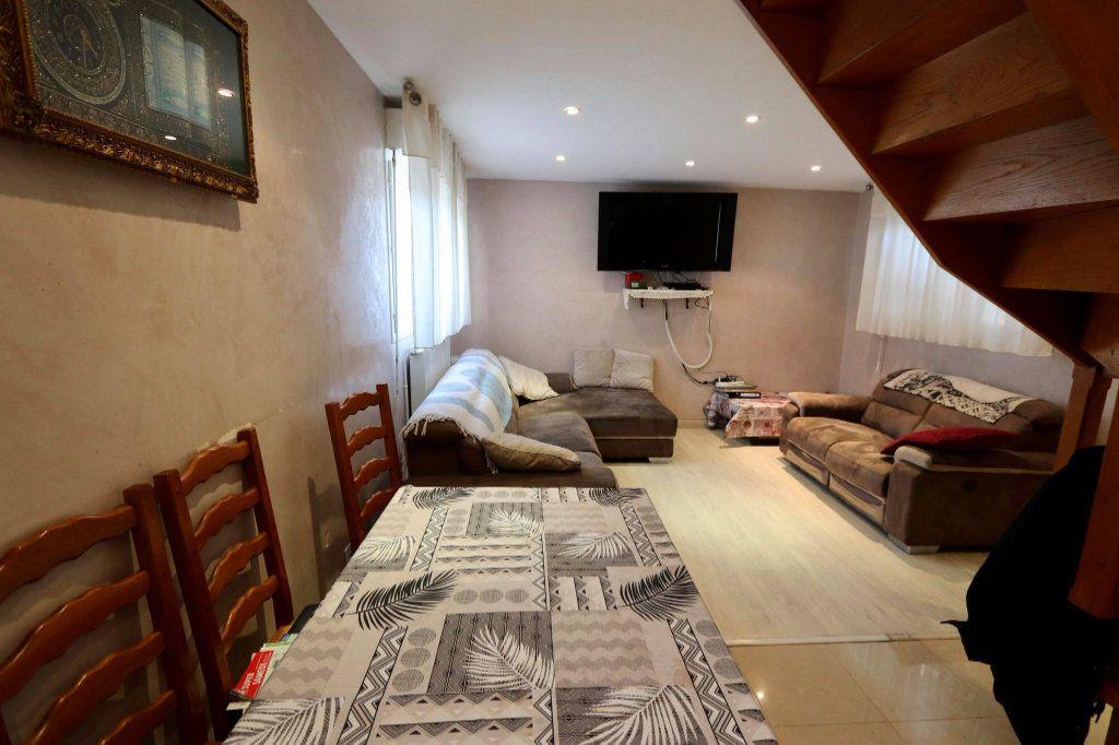 Maison à vendre 5 130m2 à Les Pavillons-sous-Bois vignette-5
