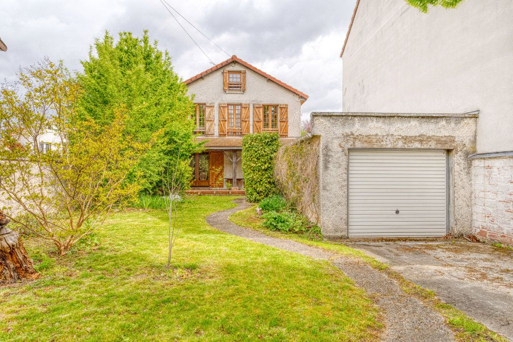 Maison à vendre 4 94m2 à Livry-Gargan vignette-1