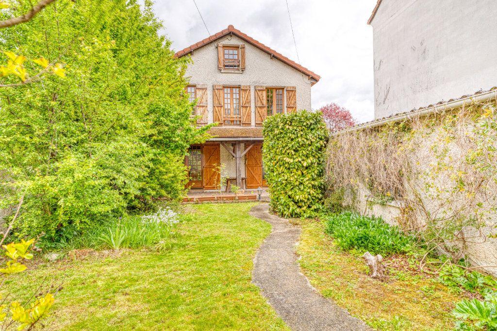 Maison à vendre 4 94m2 à Livry-Gargan vignette-8