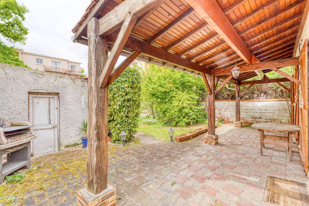 Maison à vendre 4 94m2 à Livry-Gargan vignette-9