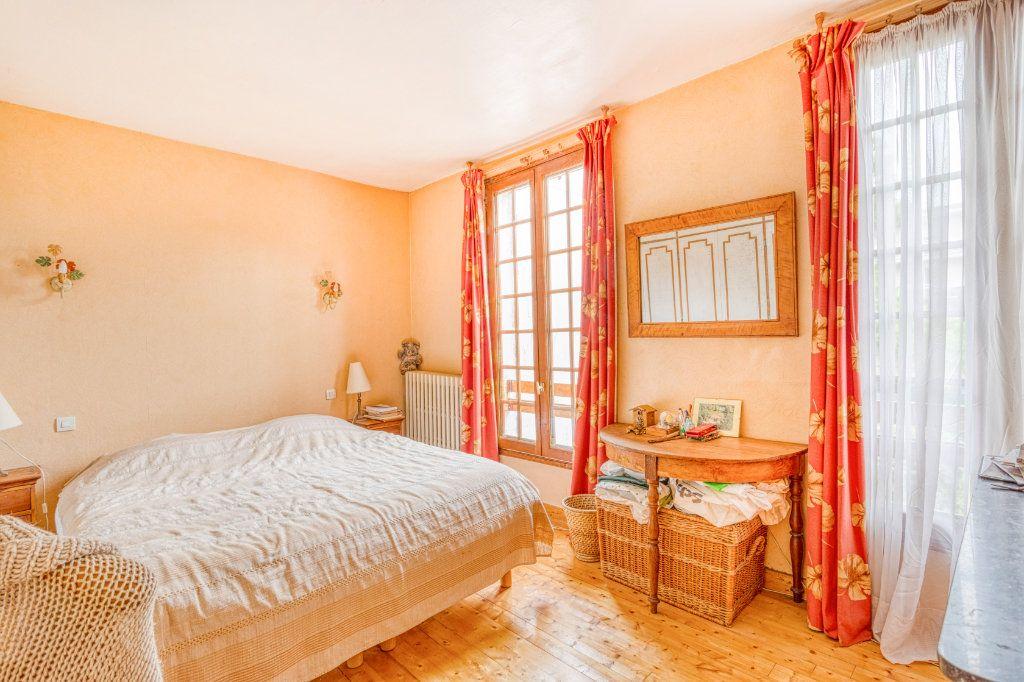 Maison à vendre 4 94m2 à Livry-Gargan vignette-10