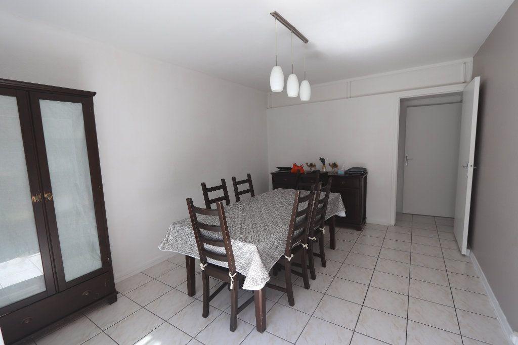 Appartement à vendre 5 82.51m2 à Clichy-sous-Bois vignette-1