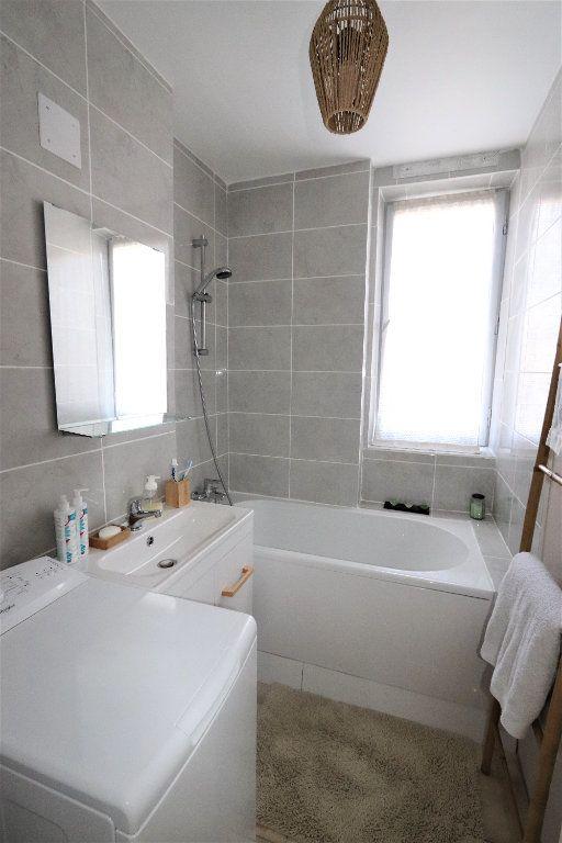 Appartement à vendre 5 82.51m2 à Clichy-sous-Bois vignette-4