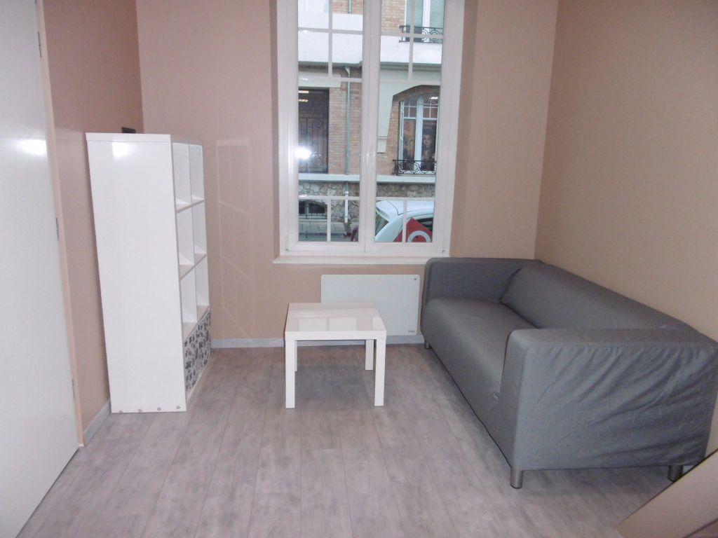 Appartement à louer 1 17.92m2 à Reims vignette-3