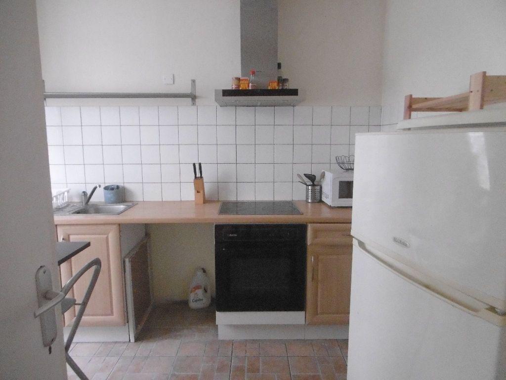 Maison à louer 3 54.55m2 à Reims vignette-2