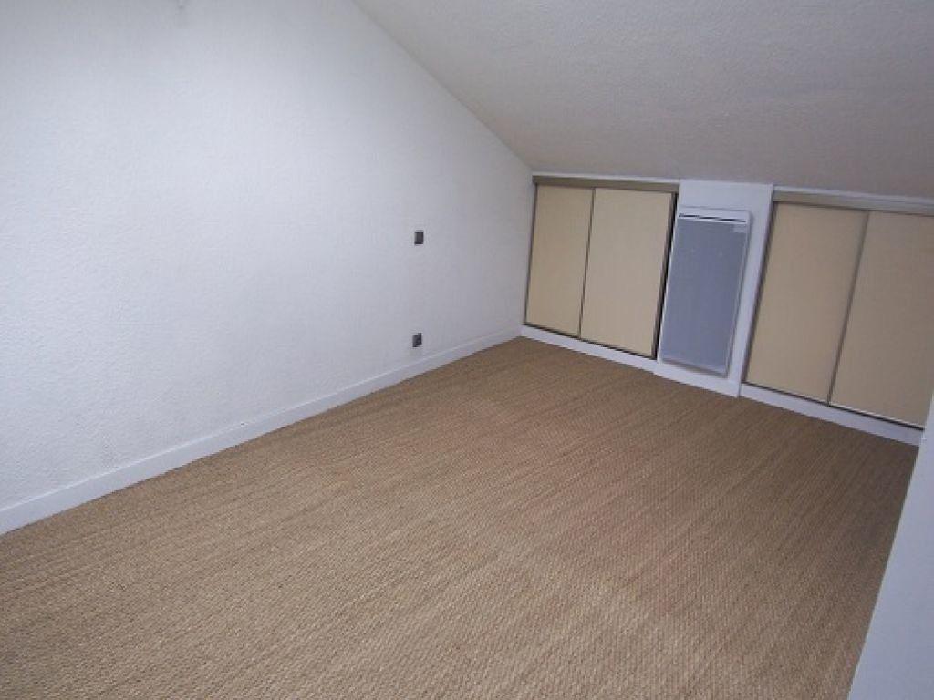 Appartement à louer 3 42.83m2 à Reims vignette-4