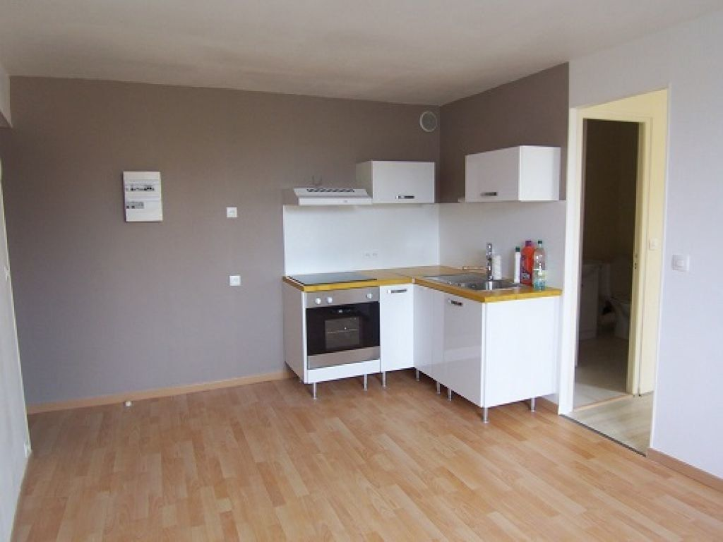 Appartement à louer 2 27.07m2 à Reims vignette-1