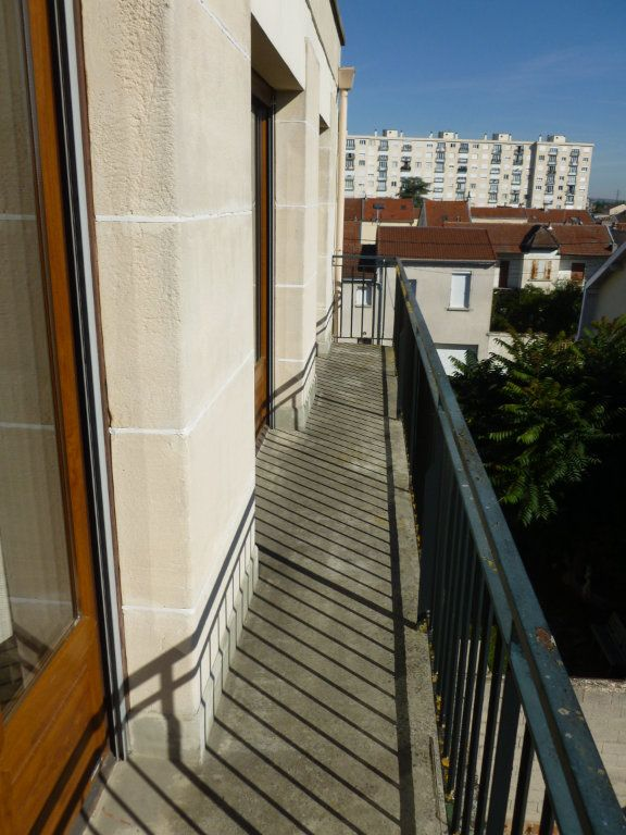Appartement à louer 2 48.79m2 à Reims vignette-1