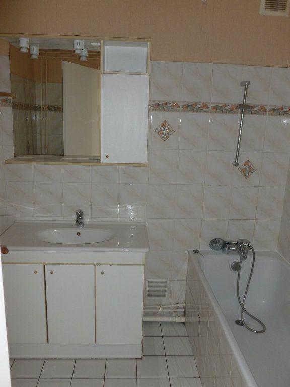 Appartement à louer 2 48.79m2 à Reims vignette-4