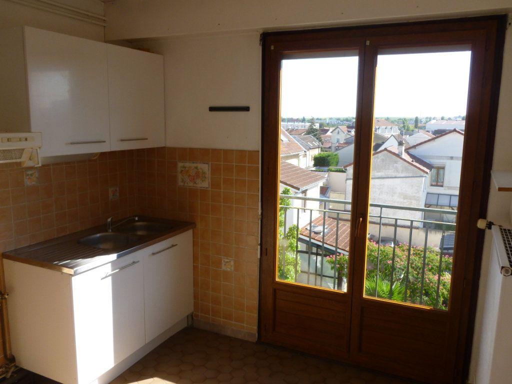 Appartement à louer 2 48.79m2 à Reims vignette-6