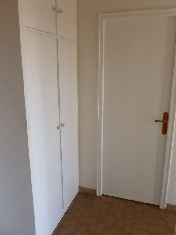 Appartement à louer 2 48.79m2 à Reims vignette-8