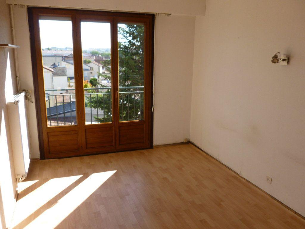 Appartement à louer 2 48.79m2 à Reims vignette-9