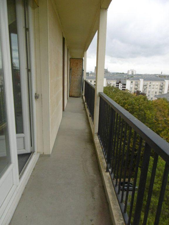 Appartement à louer 3 58.09m2 à Reims vignette-6