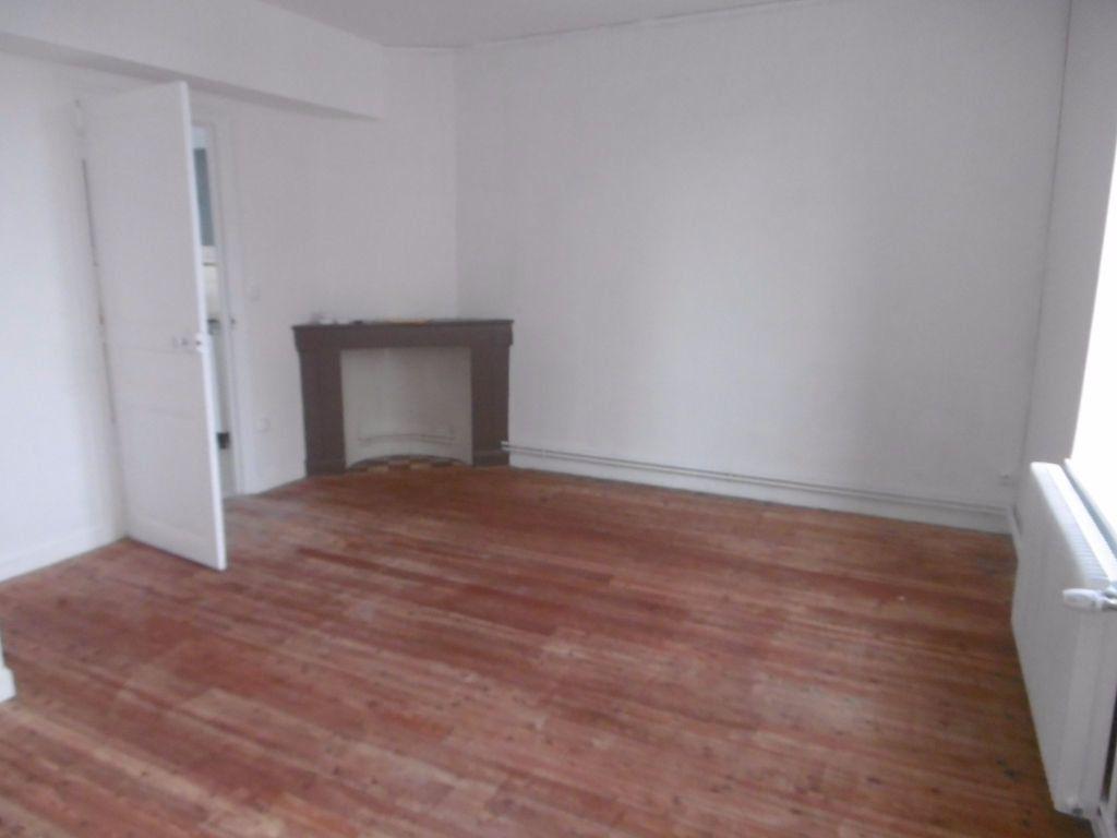 Appartement à louer 4 80.54m2 à Reims vignette-1