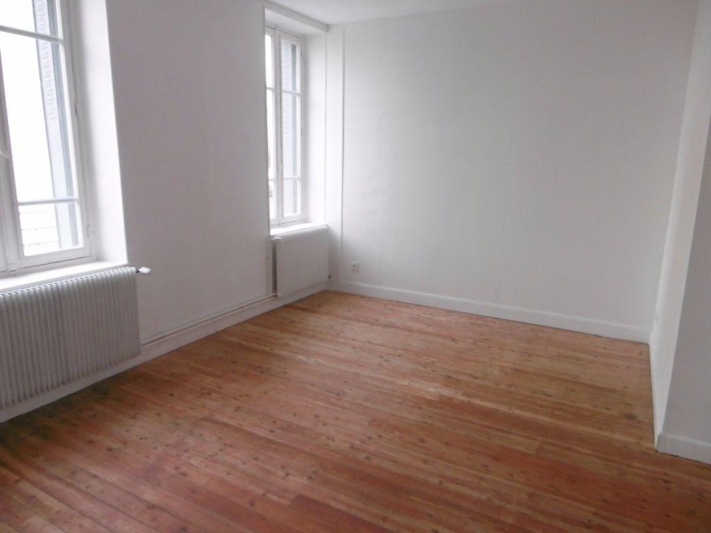 Appartement à louer 4 80.54m2 à Reims vignette-2