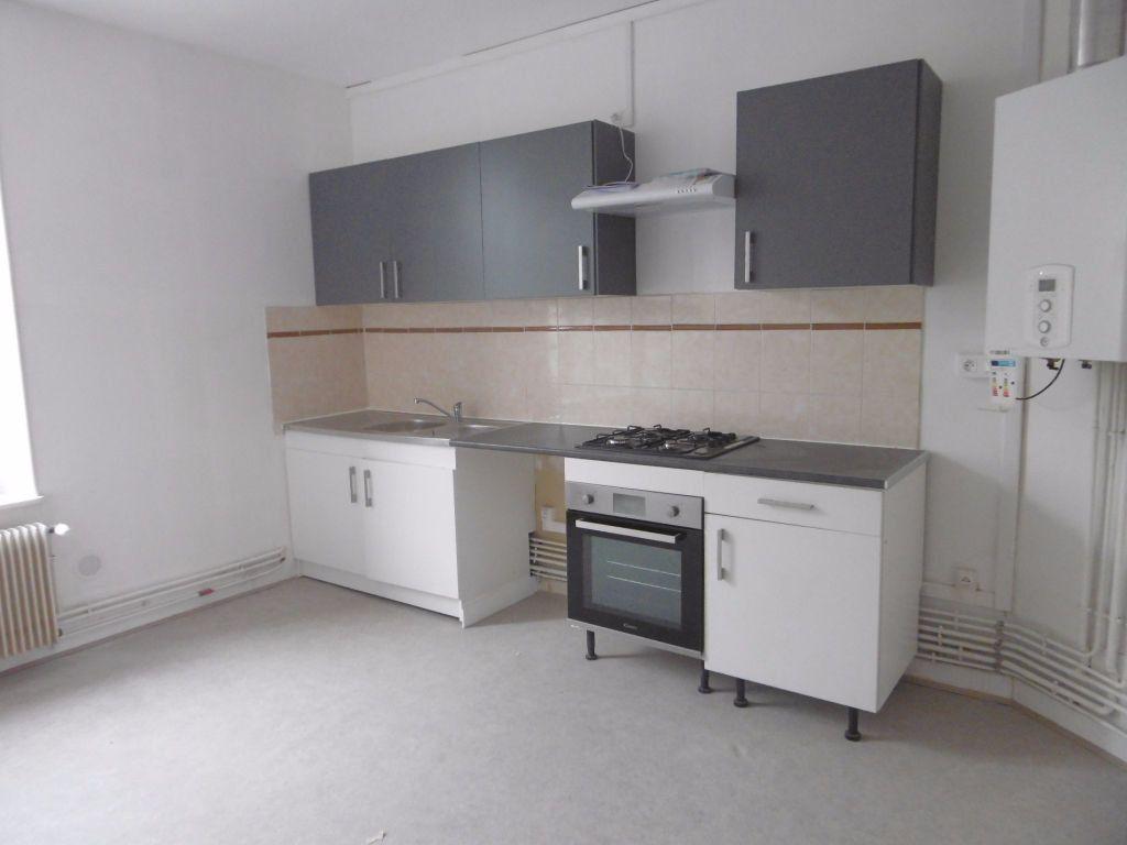 Appartement à louer 4 80.54m2 à Reims vignette-4