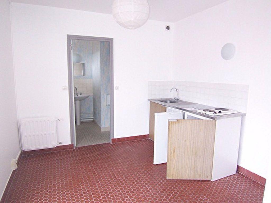 Appartement à louer 1 33m2 à Reims vignette-2