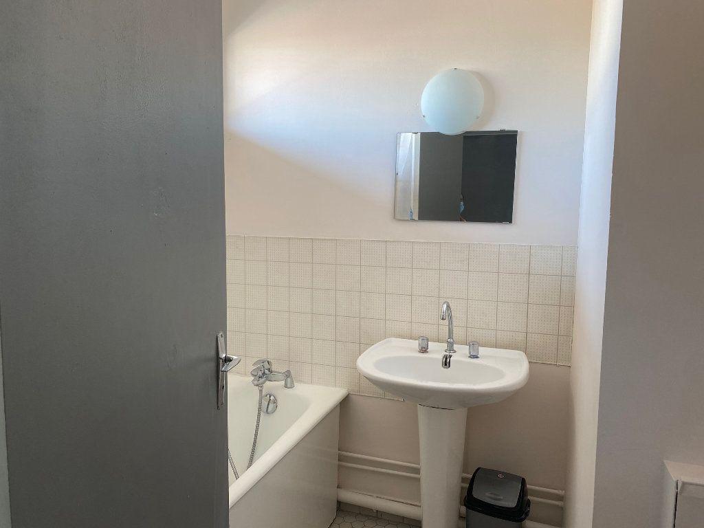Appartement à louer 1 33m2 à Reims vignette-3