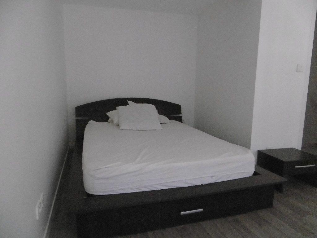 Appartement à louer 2 34.76m2 à Reims vignette-3