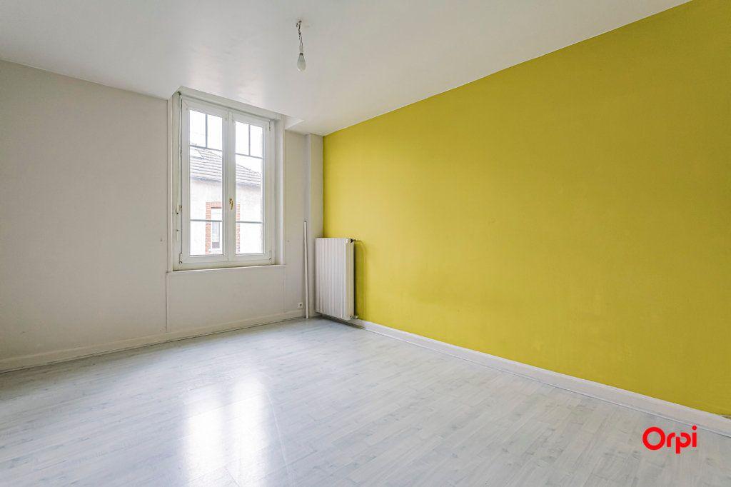 Maison à louer 9 187.72m2 à Reims vignette-4