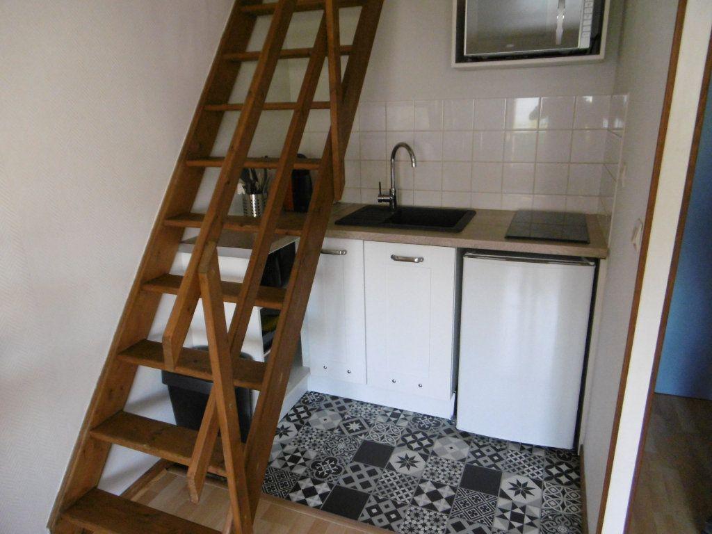 Appartement à louer 1 21.4m2 à Reims vignette-2