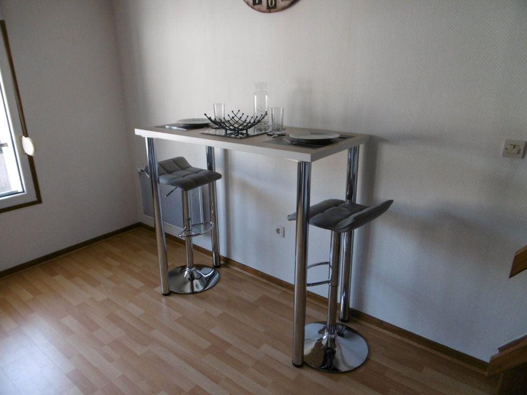 Appartement à louer 1 21.4m2 à Reims vignette-3