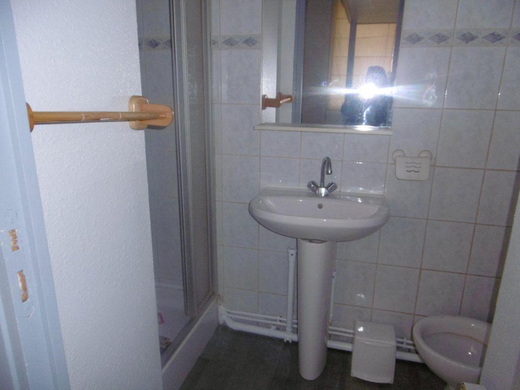 Appartement à louer 1 13.59m2 à Reims vignette-4