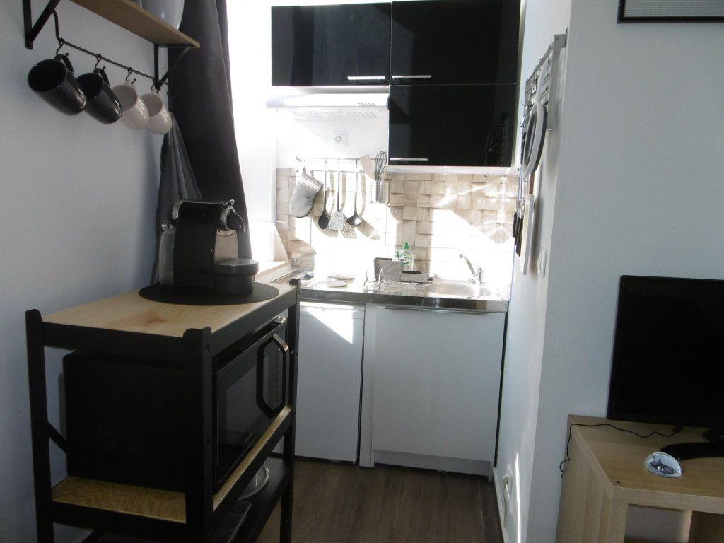 Appartement à louer 1 20.85m2 à Reims vignette-2