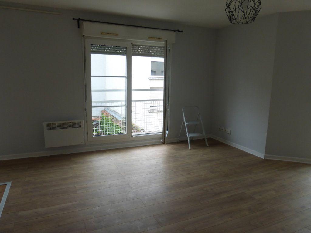 Appartement à louer 1 36m2 à Reims vignette-2