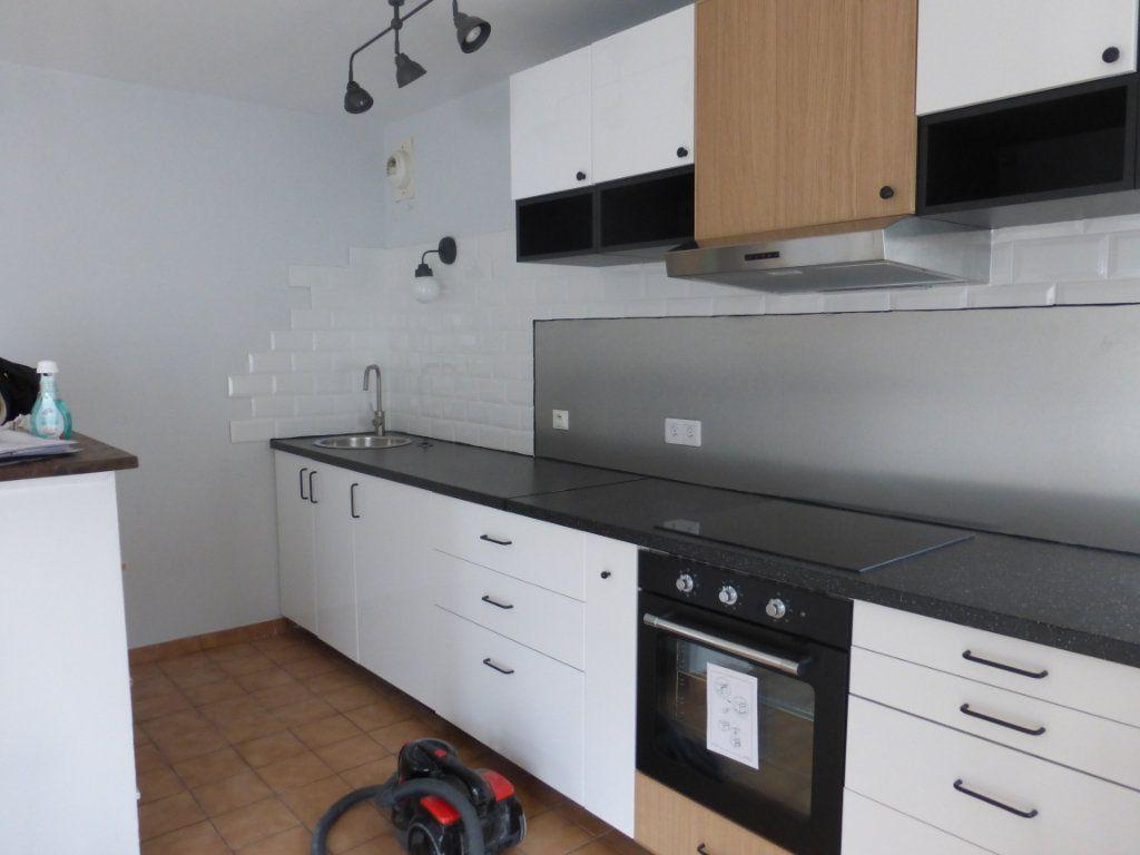 Appartement à louer 1 36m2 à Reims vignette-3