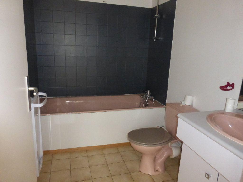 Appartement à louer 1 36m2 à Reims vignette-4