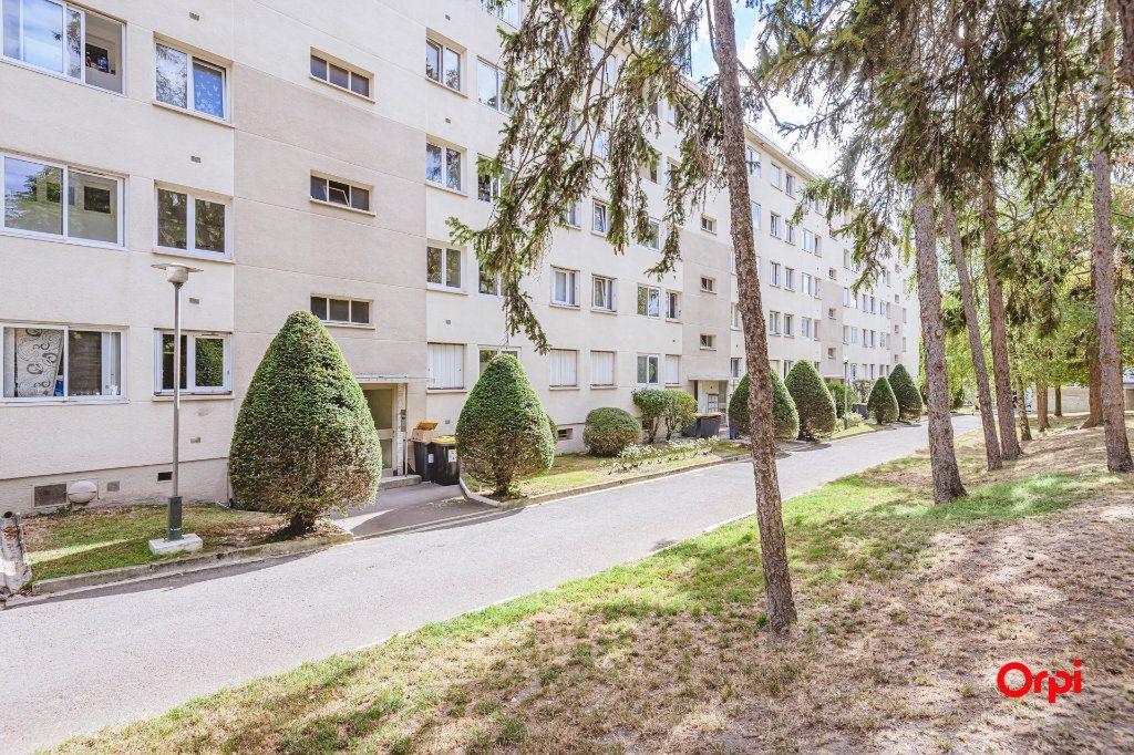 Appartement à vendre 5 80m2 à Reims vignette-1