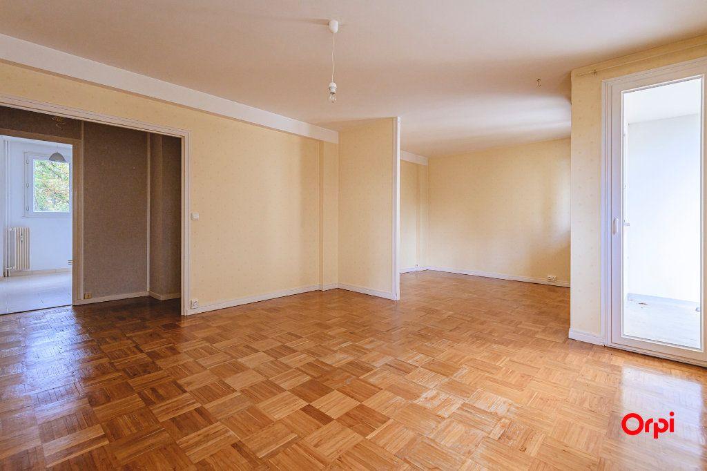Appartement à vendre 5 80m2 à Reims vignette-2